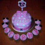 Petites Sucreries - Gâteau au Fondant et Cupcakes Minnie Mouse