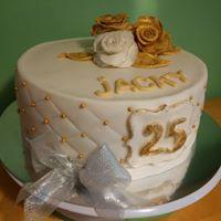 Petites Sucreries - Gâteau au Fondant Blanc Doré 25e