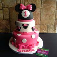 Petites Sucreries - Gâteau au Fondant Minnie Mouse Étages