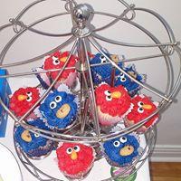 Petites Sucreries - Cupcakes (Crème au beurre) Elmo Cookie Monster Sesame Street